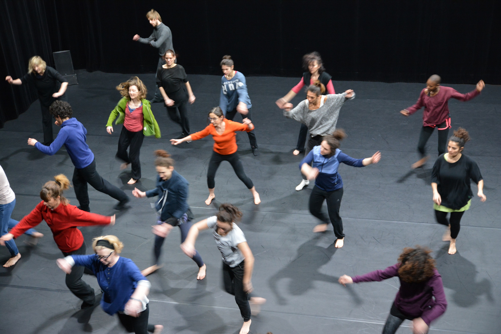 <span class='orleans'>Stage DANSE</span class><br>avec Thierry Micouin